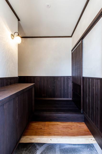 茅ヶ崎市の昭和レトロな家②こだわりづくしの玄関