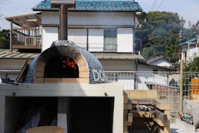 大空間を楽しむ家 ②憧れのピザ窯