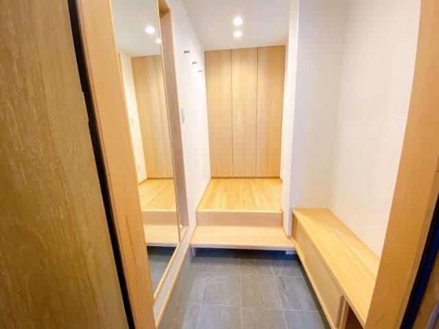 2階建て4層の家⑤「職人がつくる家具」